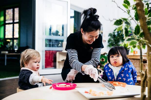 Healthy food for kids begins with parents and carers being good role models. Petit Early Learning Journey Educator serves fruit for early learners.